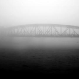 Hubbrücke im Nebel - Magdeburg