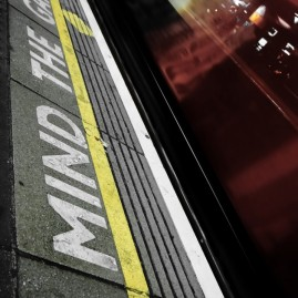 Metro - Mind the Gap - London - UK