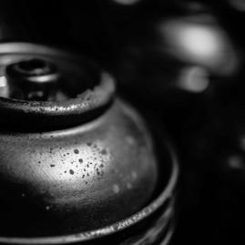 Spray can – Black & white - No. 1